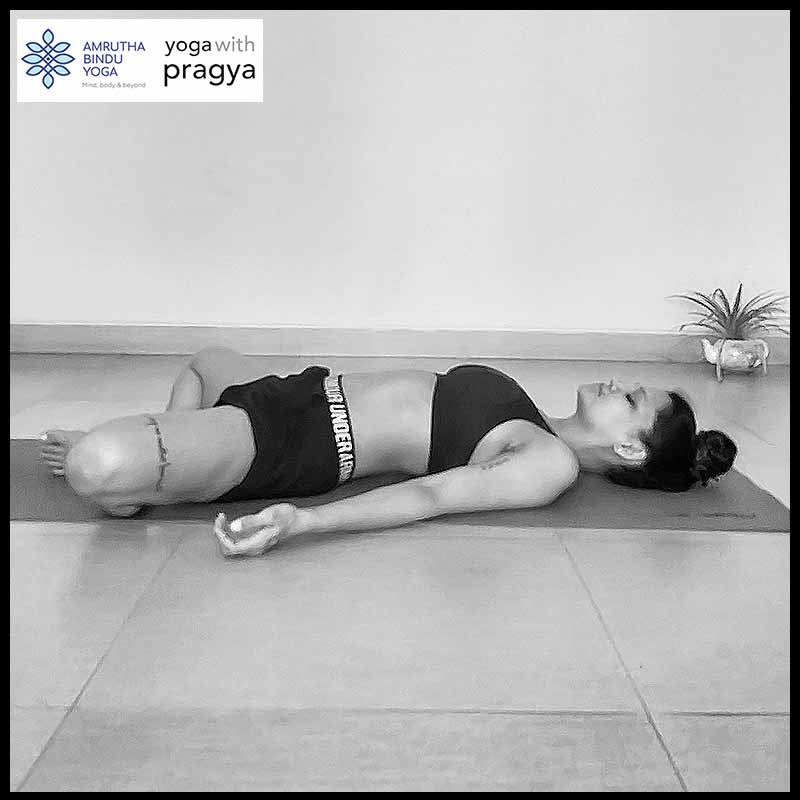 This is a very restful asana that can be practiced even by those who have had bypass surgery. It gently massages the heart and helps open blocked arteries. The pose also improves blood circulation in the abdomen, massaging and toning the abdominal organs.